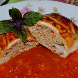 Fleisch – Gemüse – Rolle im Blätterteig