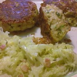 Kaspressknödel mit lauwarmem Krautsalat