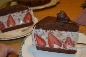 Stracciatella - Erdbeer - Schoko - Torte11